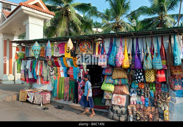 Souvenirs for sale, Kovalam, Kerala, India - Stock-Bilder