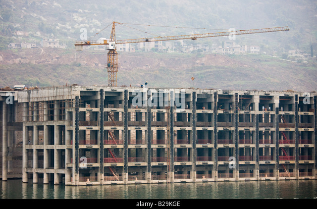 a discussion on yangtze yangtze and the dam construction site along the yangtze river Any visitor to china should take time to view the yangtze river at anywhere along its path the yangtze not construction on the three gorges dam was.