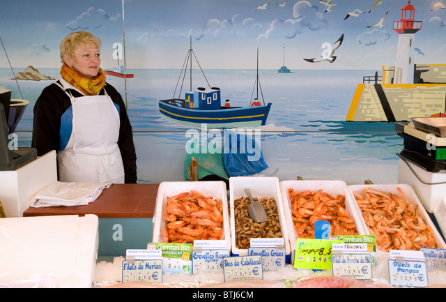Coulommiers stock photos coulommiers stock images alamy for Fresh fish market near me
