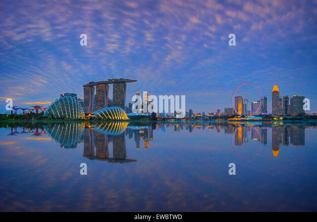 Singapore Skyline at sunset - Stock-Bilder