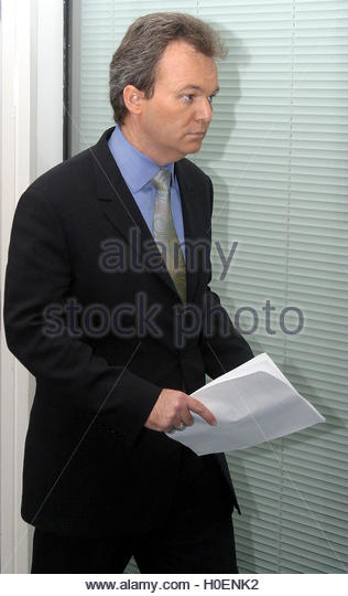 Fraudster Peter Foster arrives to give a live, televised statement in  central London on December 16, 2002. Convicted - Stock Image
