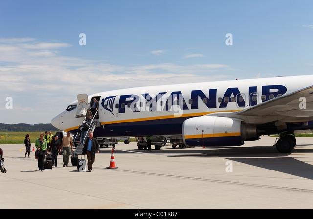 Boeing 737 plane of the Irish low-cost airline Ryanair, Memmingen airport, Bavaria, Germany, Europe - Stock Image