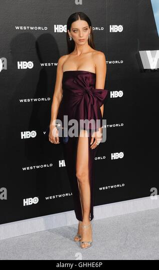 Los Angeles, CA, USA. 28th Sep, 2016. Angela Sarafyan at arrivals for WESTWORLD Premiere on HBO, TCL Chinese 6 Theatres - Stock Image