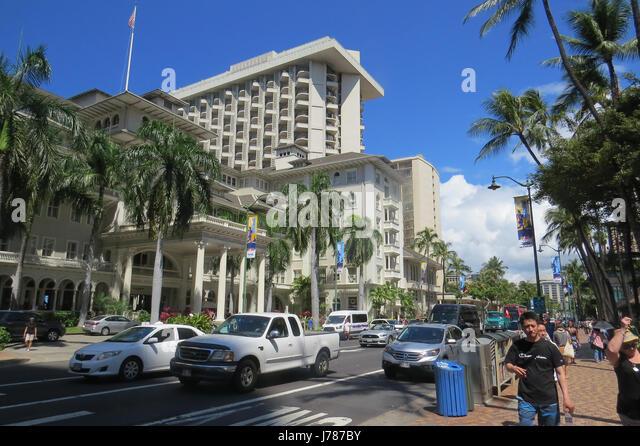 HONOLULU. Kalakaua Avenue with the high rise Outrigger Hotel backing onto Waikiki Beach.  Photo: Tony Gale - Stock-Bilder