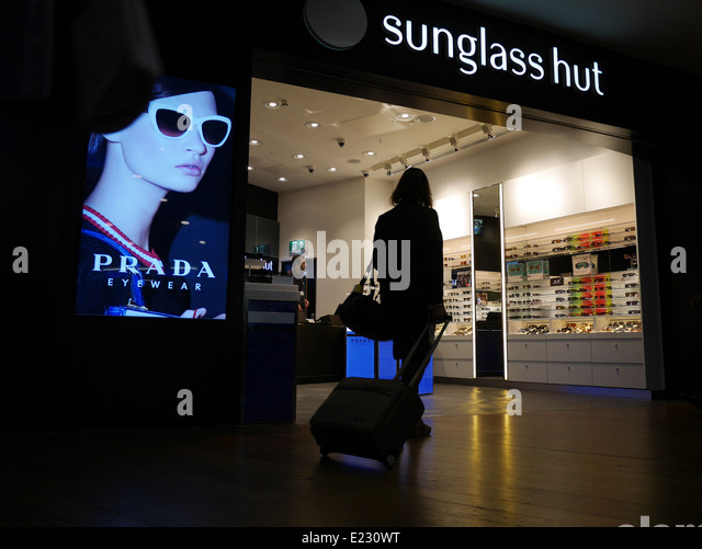 c32a4e85a4 Ray Ban Sunglasses Hut Uk Vouchers Program
