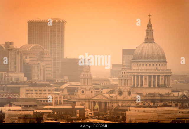 Photograph of view London St Paul's Waterloo sunset heatwave UK - Stock-Bilder