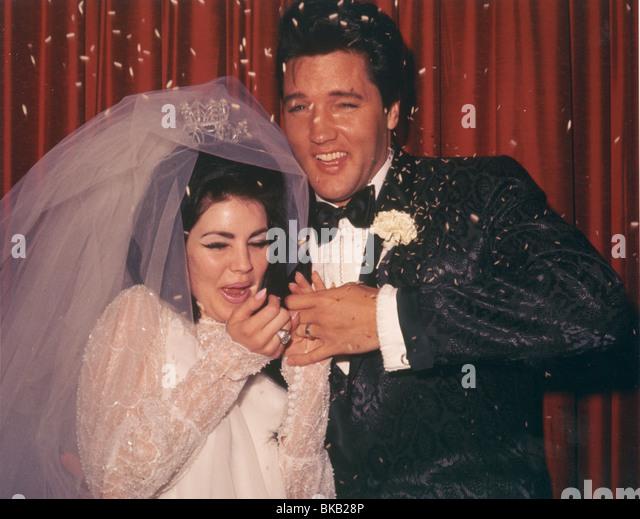 ELVIS PRESLEY MARRIAGE TO PRISCILLA PRESLEY (1967) ELV 010CP - Stock Image