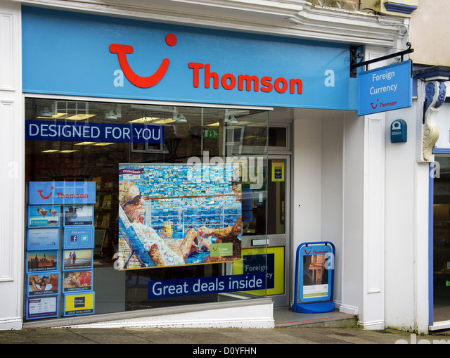 a thomson travel agency in a uk high street - Stock-Bilder