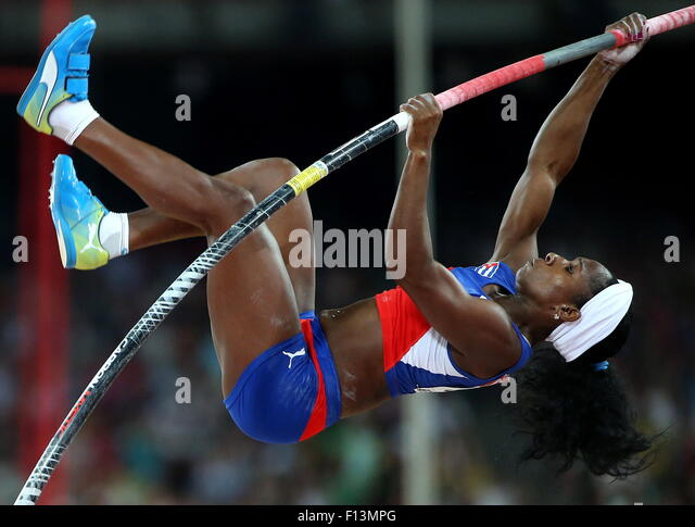 Beijing, China. 26th Aug, 2015. Cuba's Yarisley Silva competes to win the women's pole vault final on Day - Stock-Bilder