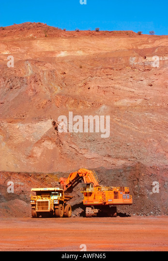 how to get to roy hill mine from newman