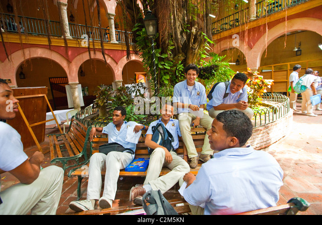 Students at Rafael Nunez University, Cartagena, Colombia - Stock Image