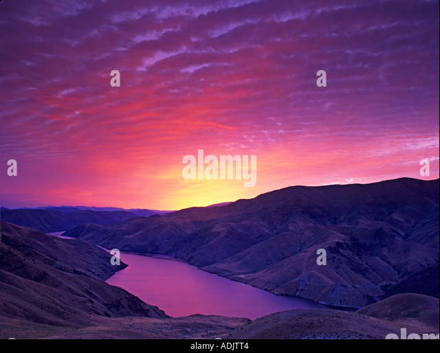 Sunrise and Snake River Near Richland Oregon available as a tiff scan only - Stock-Bilder