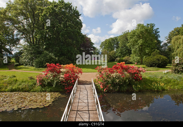 Gardens and bridge at Gut Eckerde, Eckerde manor, Barsinghausen, Lower Saxony, Germany - Stock Image