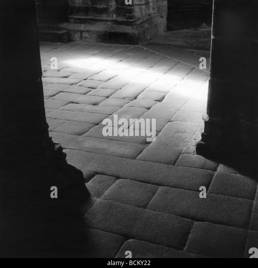 Stone floor in church, b&w - Stock-Bilder