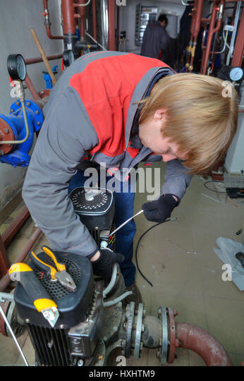 Fettler stock photos fettler stock images alamy for Electric motor rebuild shop near me
