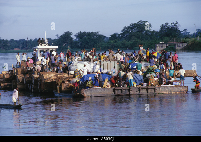 log barge congo river - Stock-Bilder