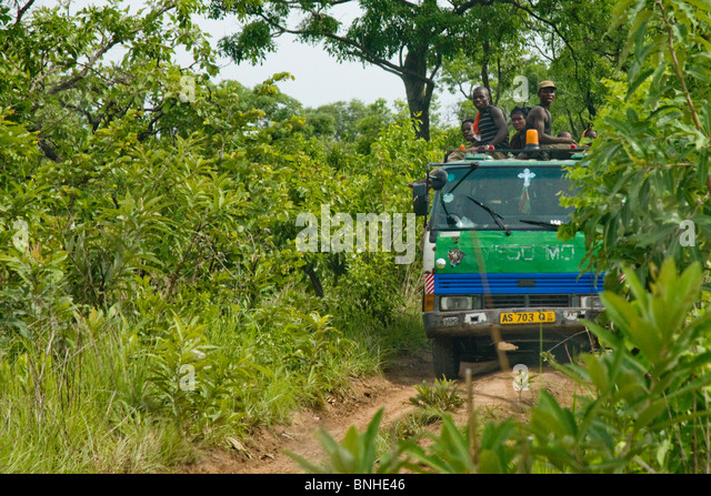 Itinerant farmers, moving to a new location in the Gonja triangle, Damango district, Ghana. - Stock Image