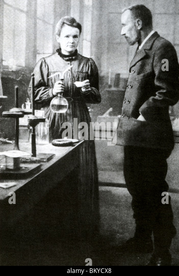 marie sk odowska curie physicist and chemist Marie sklodowska-curie, known more famously simply as marie curie, was a polish and naturalized-french physicist and chemist who conducted pioneering research on radioactivity.