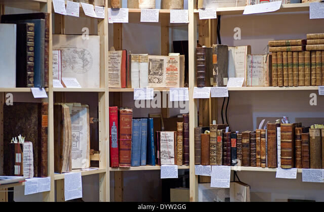 Antiquarian bookshop - Stock-Bilder