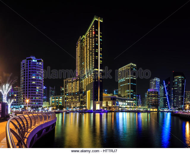 Pier 7 dubai marina stock photos pier 7 dubai marina for 7 shades salon dubai