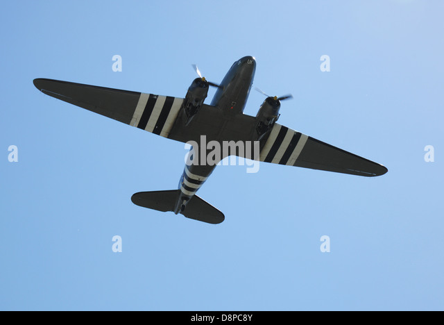 Douglas C47 Dakota in D-Day camouflage - Stock Image