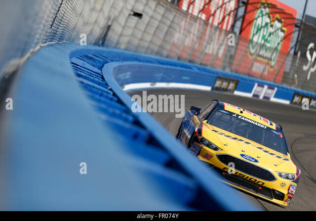 Fontana, CA, USA. 20th Mar, 2016. Fontana, CA - Mar 20, 2016: Joey Gase (32) battles for position during the Auto - Stock-Bilder