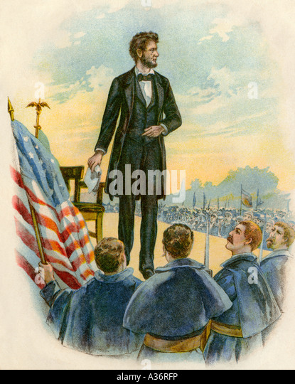 President Abraham Lincoln delivering the Gettysburg Address on the battlefield during the Civil War 1863 - Stock-Bilder