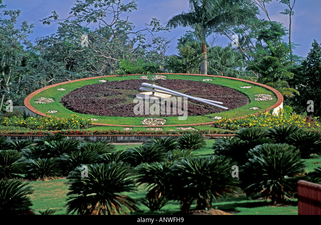 Dominican Republic Santo Domingo jardin botanical garden clock - Stock Image