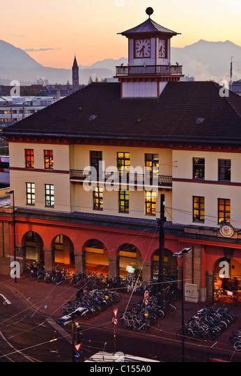 Innsbruck train station at sunset - Stock-Bilder