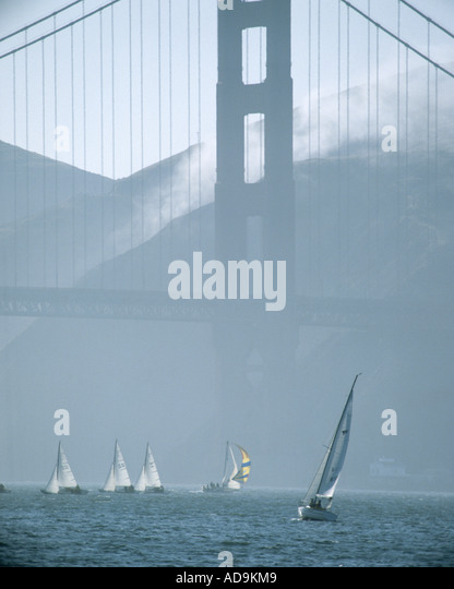 USA - CALIFORNIA:  Sailing under Golden Gate Bridge at San Francisco - Stock-Bilder