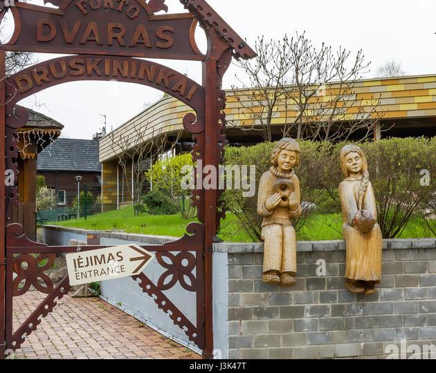 druskininkai girls Kaunas , lithuania: what to  this mineral spring resort in a nemunas river bend is not druskininkai,  three girls bridge crosses nemunas river to the massive .
