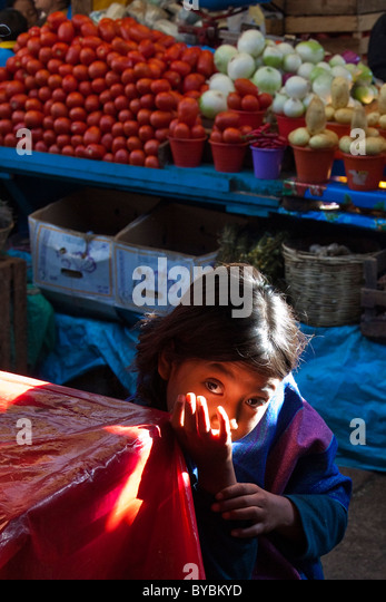 Young girl in the Mercado Municipal, San Cristobal de las Casas, Chiapas, Mexico - Stock Image