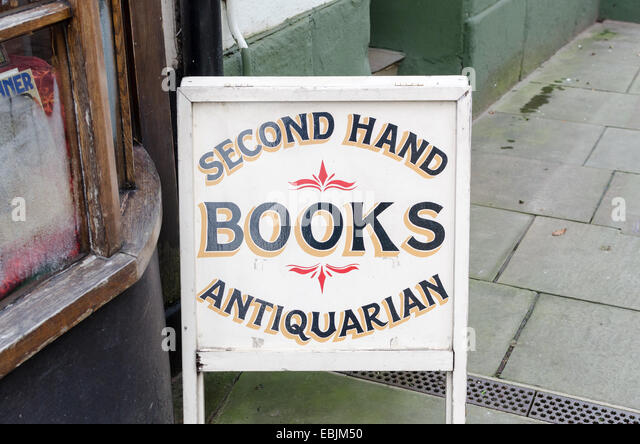 Sign for Second Hand and Antiquarian books outside a shop in the Herefordshire town of Ross-on-Wye - Stock-Bilder