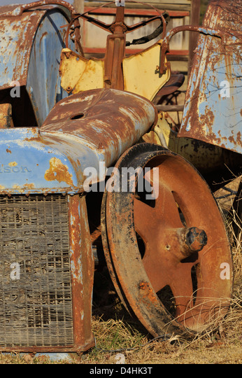 Hq Old Machinery Parts : Decaying farm machinery stock photos