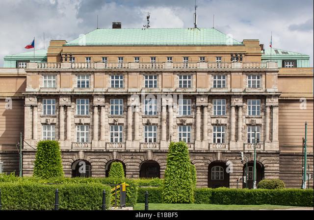Filosoficka fakulta University Karlovy Namesti Jana Palacha Stare Mesto Praha Ceska republika - Stock-Bilder