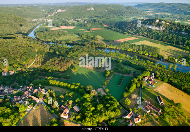Aerial view of the Dordogne river and surrounding countryside near Sarlat in the Dordogne-Perigord region of south - Stock Image