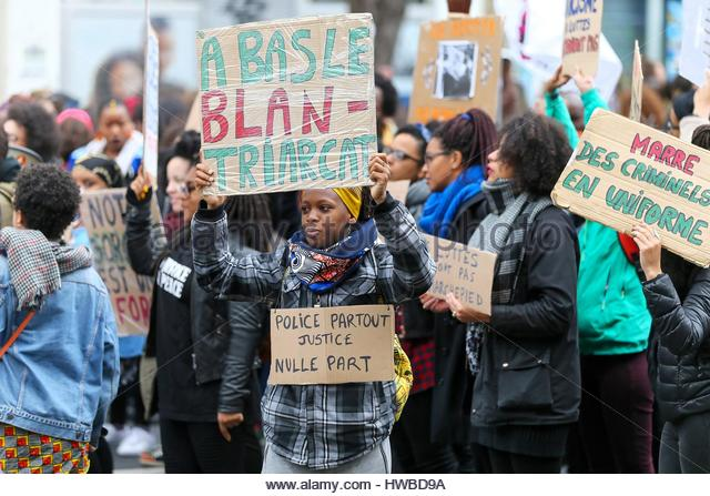 Paris, France. 19th Mar, 2017. People take part in a demonstration called by the families of the victims of alleged - Stock Image