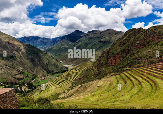 View of the Sacred Valley and ancient Inca terraces in Pisac, Peru. - Stock-Bilder