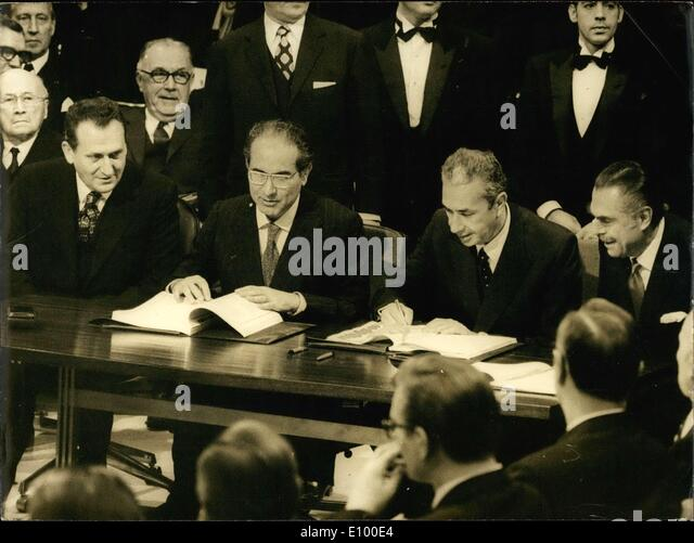 Jan. 23, 1972 - The historical agreement to enlarge the European Common Market was signed yesterday at the Egmont - Stock Image