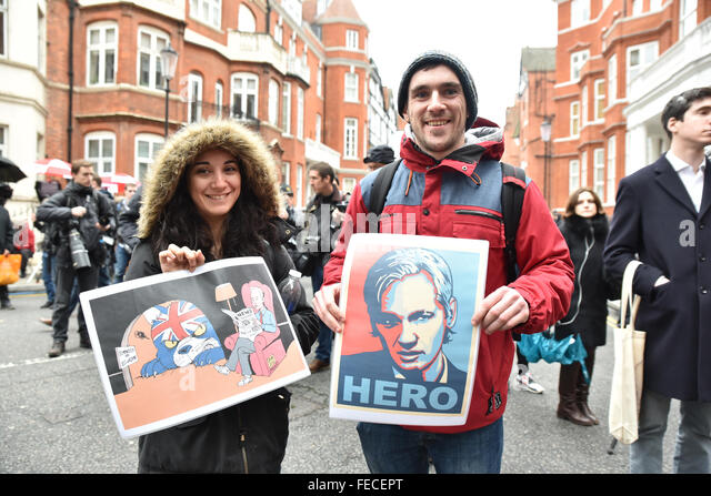 Knightsbridge, London, UK. 5th February 2016. Julian Assange UN decision: press and supporters gather outside the - Stock Image