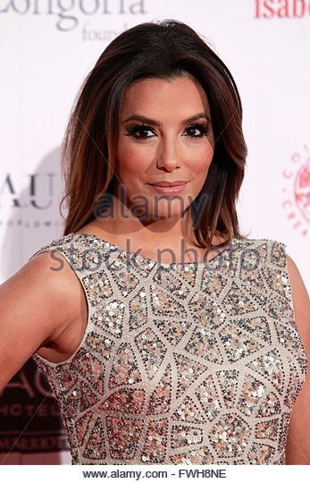 epa05241316 US actress Eva Longoria poses for the media as she attends the Global Gift gala in Madrid, Spain, 02 - Stock Image