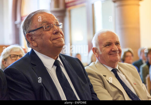 Holy Trinity Church, Chesterton, UK. 8 May 2015. Pete Conway, father of singer Robbie Williams, and Douglas Brock - Stock Image