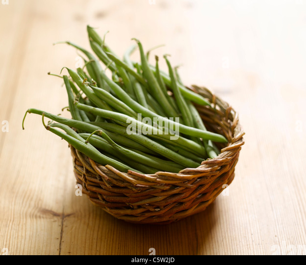 Green beans in basket - Stock Image