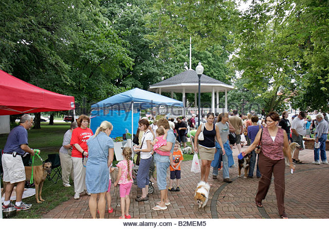 Indiana Chesterton Thomas Centennial Park Bark in the Park dog family festival community even vendors pets animals - Stock Image