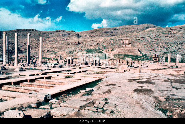 IRAN, PERSEPOLIS: Panoramic view of the ruins of Persepolis. Persepolis was the ceremonial capital of the Achaemenid - Stock Image