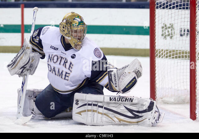 Feb. 10, 2012 - South Bend, Indiana, U.S - Notre Dame goaltender Mike Johnson (#32) makes the save in first period - Stock Image
