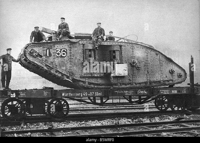 9 1917 11 20 A2 27 E WW1 Transportation of capt Eng tank World War 1 1914 18 France Battle of Cambrai 20th 29th - Stock-Bilder