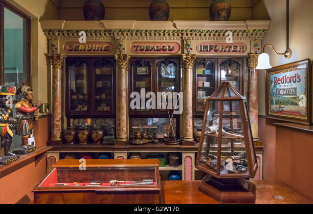 Reproduction of a tobacconist in Victorian London, Museum of London, London, UK - Stock Image