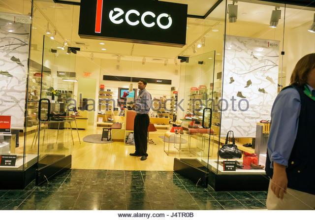 Ecco Shop Stock Photos Ecco Shop Stock Images Alamy