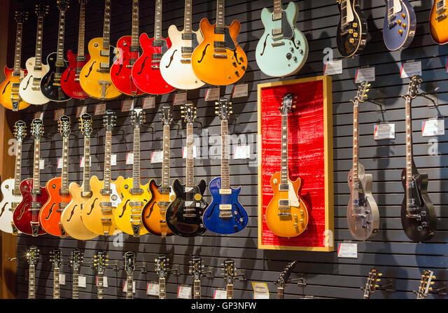 Music Stores In Fort Wayne Indiana : guitars stock photos guitars stock images alamy ~ Hamham.info Haus und Dekorationen